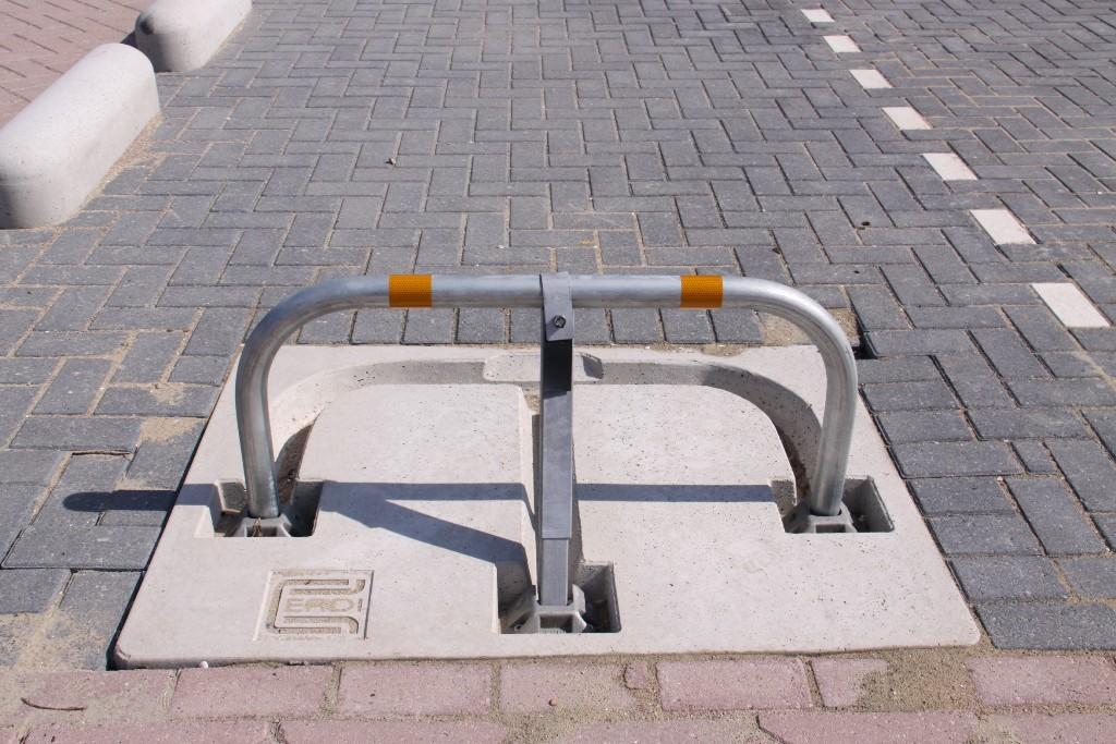 Parkeerbeugel model B (beugelbescherming gelijk aan maaiveld)